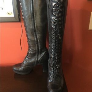 Kenneth Cole black lace up boots